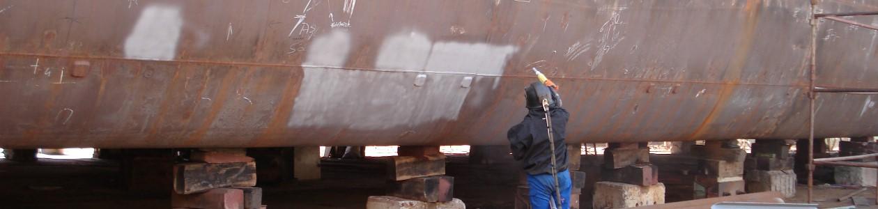 Strahlarbeiten an Schiffen